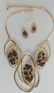 Stunning Abstract Gold Leopard Necklace Set